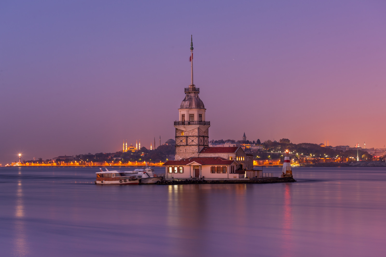 Maiden's tower.jpg
